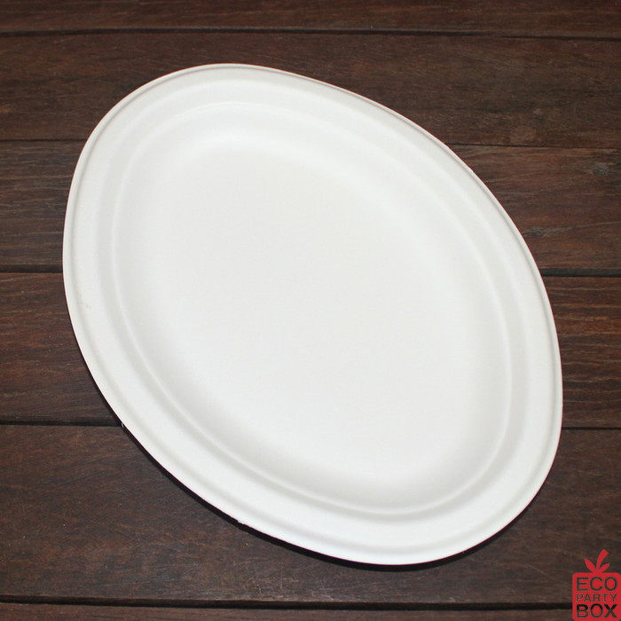 Our White Sugarcane Oval Plates (medium) are great for smaller meals. They measure 260x196mm.