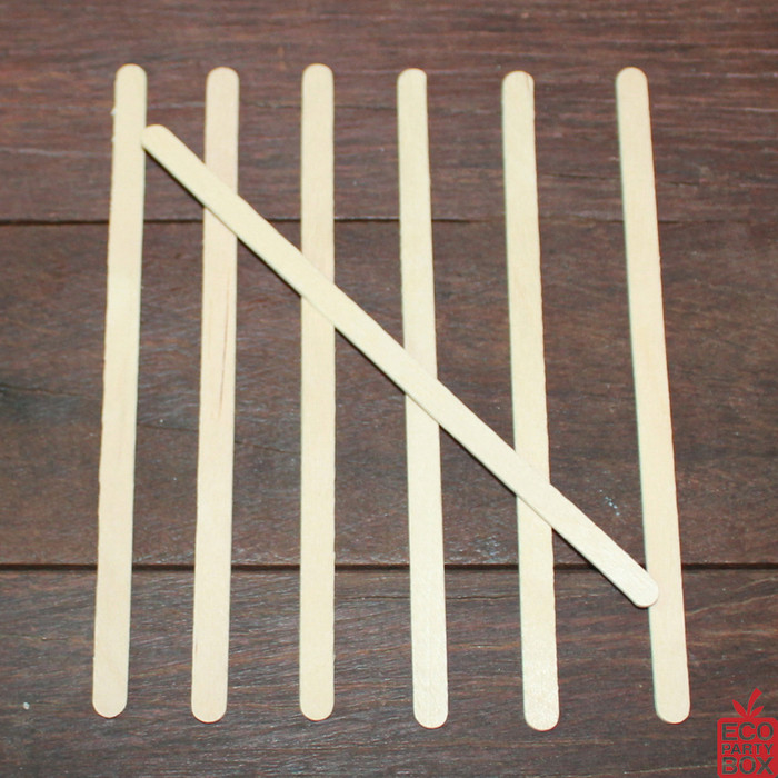 Our plantation birch Wooden Stirring Sticks measure 14cm tall x 0.7cm wide. They are ideal for mixing sweeteners into your drinks.