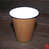 These 8oz Single Wall Brown Kraft Paper Cups come in packs of 50 and are made from paper sourced from managed plantations that are SFI and FSC certified and are lined with PLA, a bioplastic derived from plant-based starch.