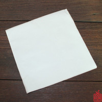 Our 2-ply 300x300mm (1/4 fold) white lunch napkins come in packs of 100 and are made from sugarcane / bamboo fibres.