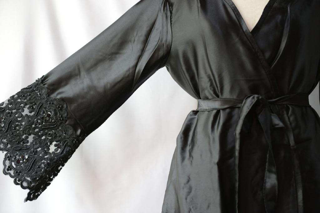 Black2 Silk Pearl Lace Bridesmaids Robe