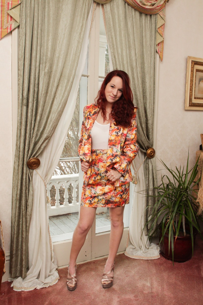 Bridesmaids Floral Suit for a Winter Wedding - Cute Coral