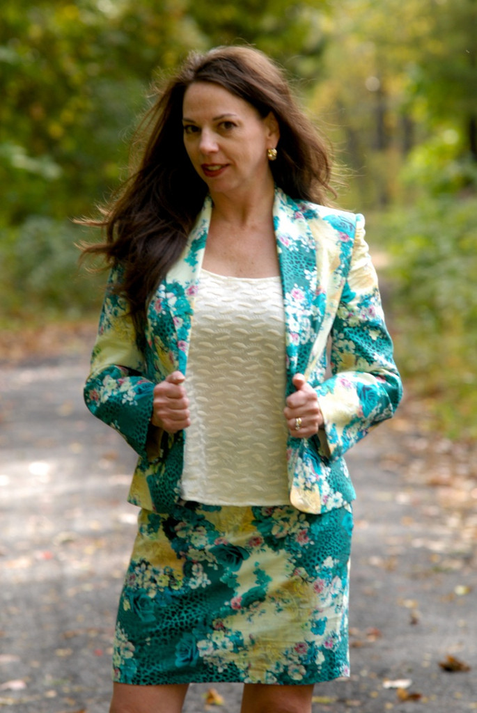 Floral Suit for a Winter Wedding - Turquoise Twilight