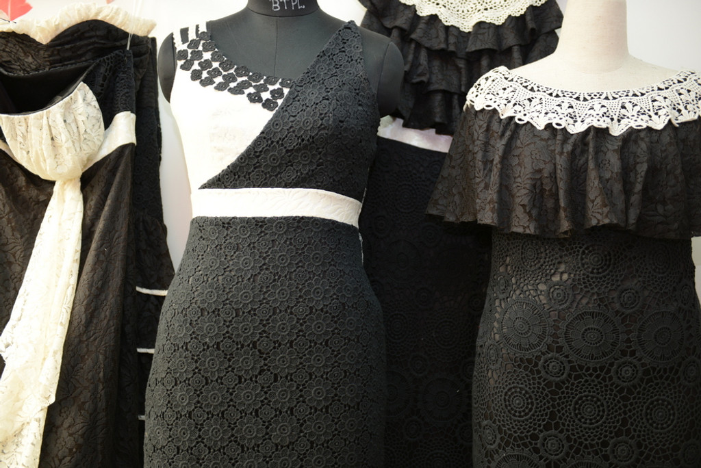 Dreamy Black Lace Bridesmaids Dresses