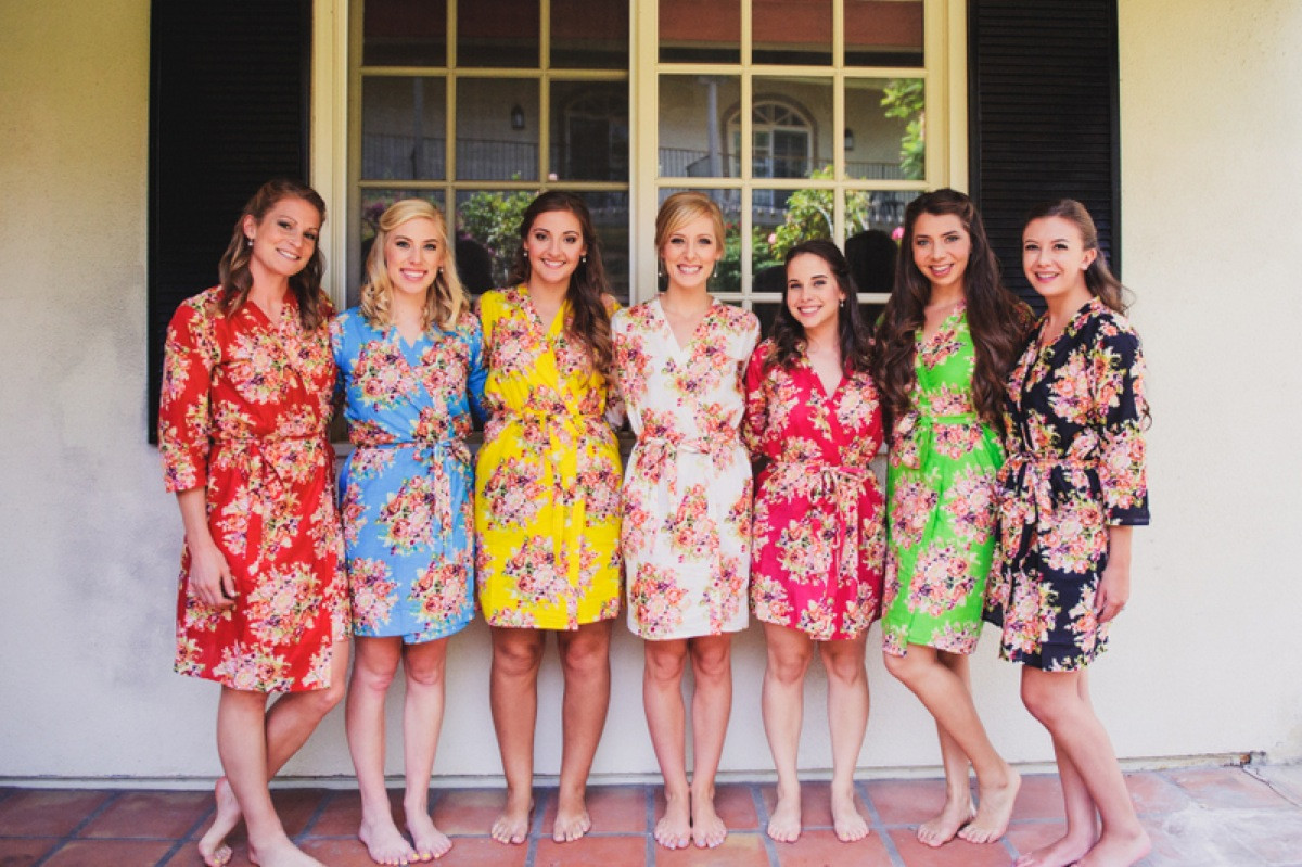Mismatched Colorful Floral Posy Bridesmaids Robes Robes