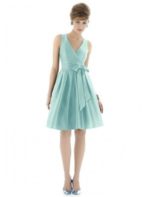Sale Alfred Sung Bridesmaid Dress D666