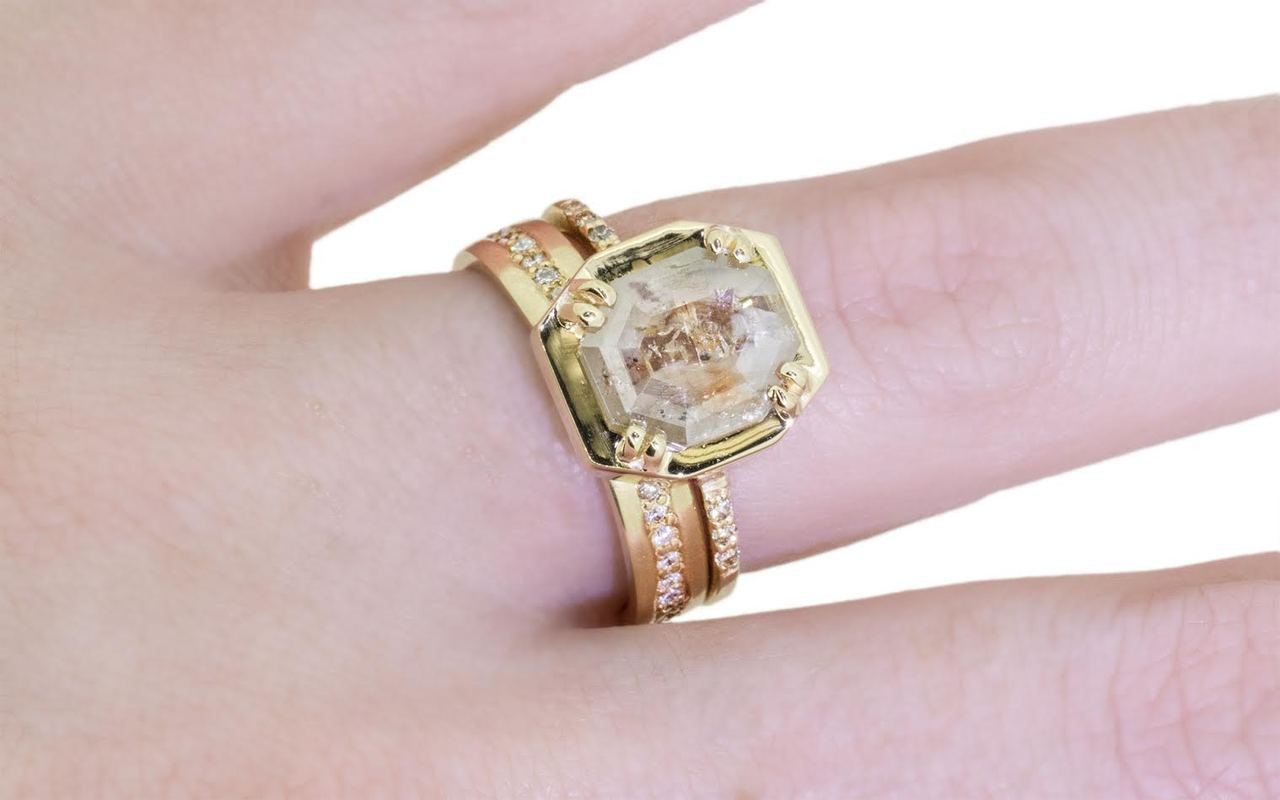 AIRA Ring in Yellow Gold with 1.72 Carat Champagne and White Diamond