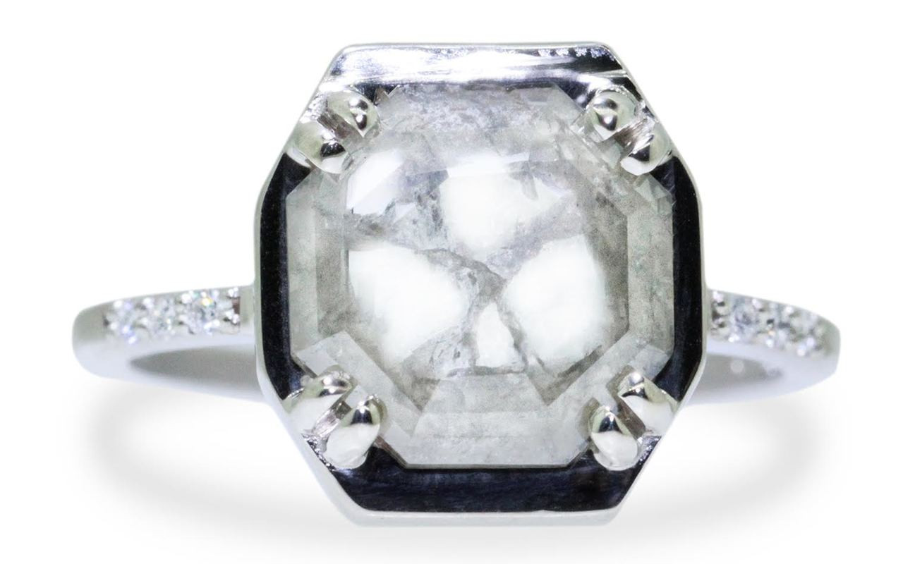 AIRA Ring in White Gold with 1.48 Carat Gray and White Diamond
