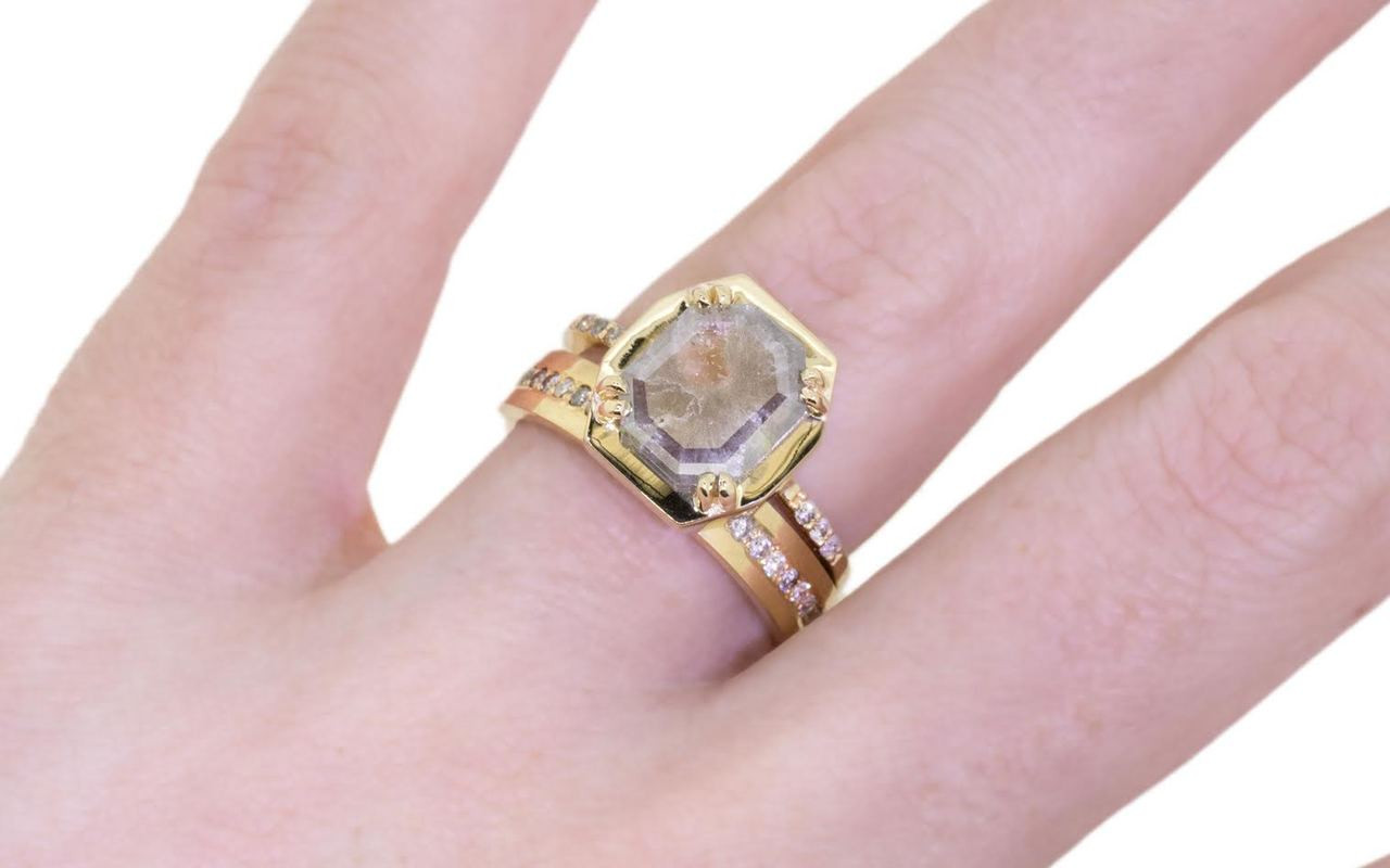 AIRA Ring in Yellow Gold with 1.78 Carat Gray and White Diamond