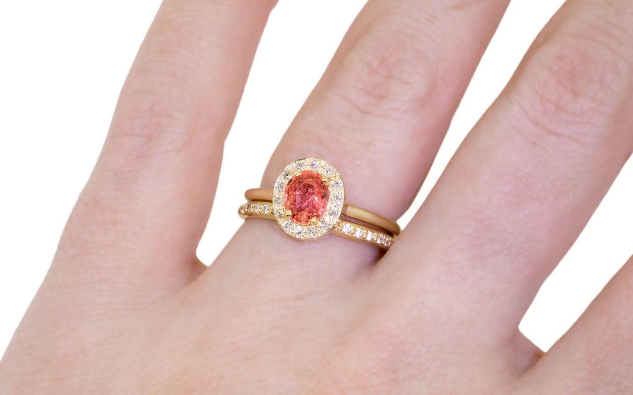 .90 Carat pink Sapphire Ring with White Diamond Halo