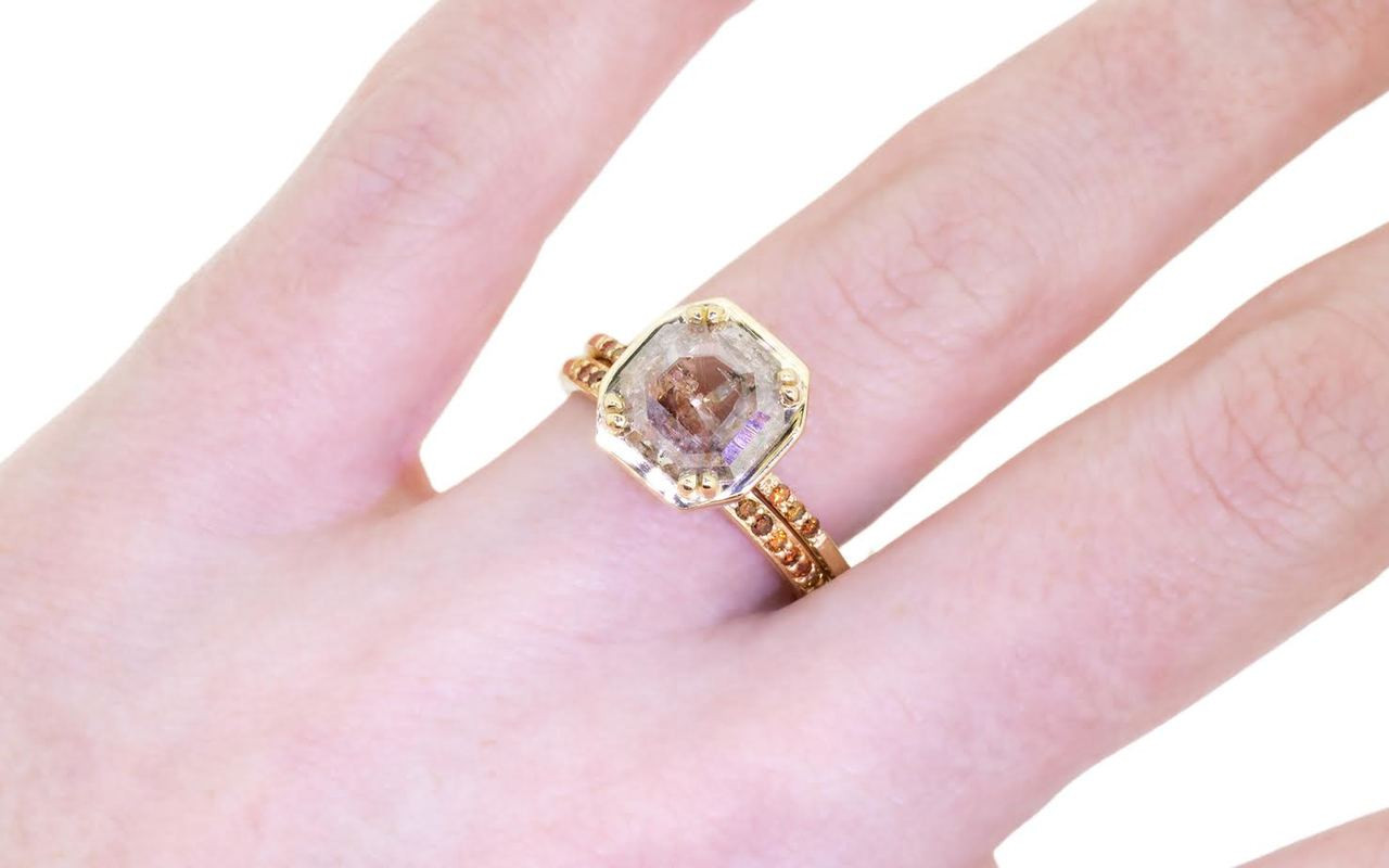 MAROA Ring in Yellow Gold with 1.19 Carat Champagne and White Diamond