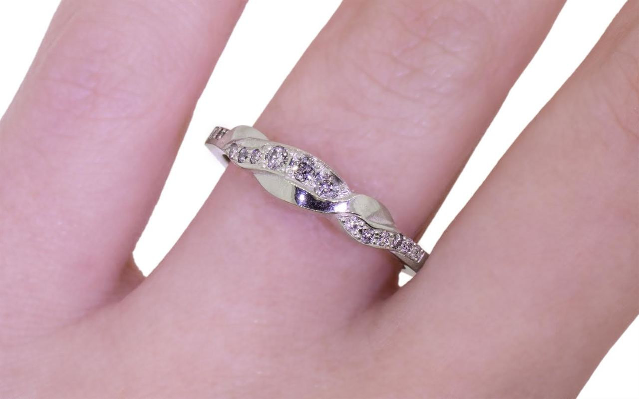 Twisted Wedding Band with Gray Diamonds