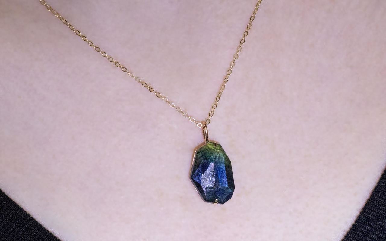 6.45 Carat Hand-Cut Blue/Green Sapphire Necklace in Yellow Gold