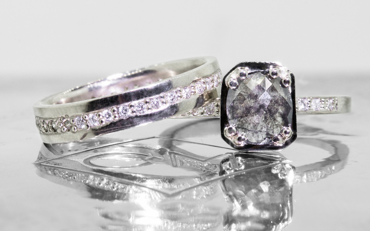 AIRA Ring in White Gold with .76 Carat Salt and Pepper Diamond