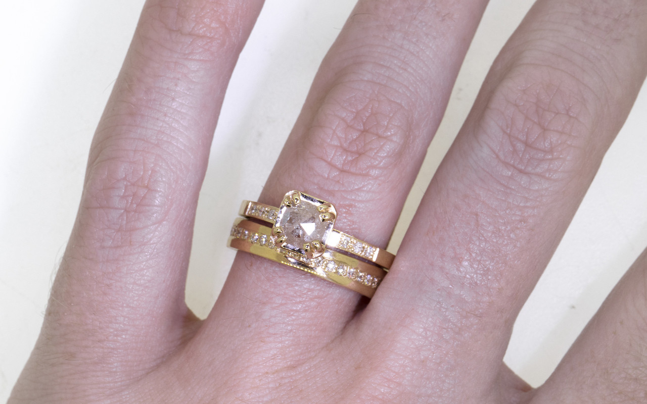 AIRA Ring in Yellow Gold with .62 Carat Icy White Diamond