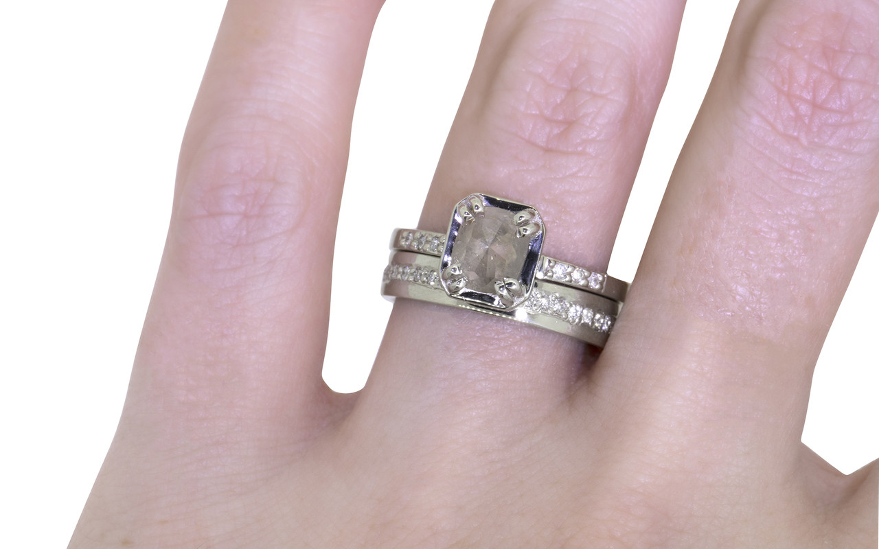 MAROA Ring in White Gold with .80 Carat Light Gray/Champagne Diamond