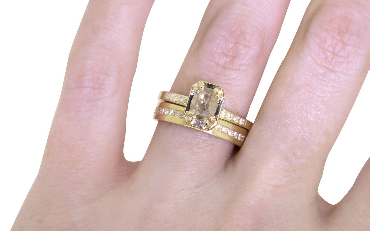 AIRA Ring in Yellow Gold with .45 Carat Light Champagne Diamond