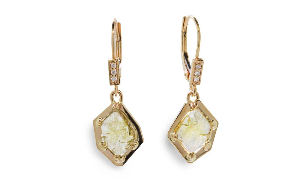 EDZIZA Earrings in Yellow Gold with 1.11 Carat Green Diamonds