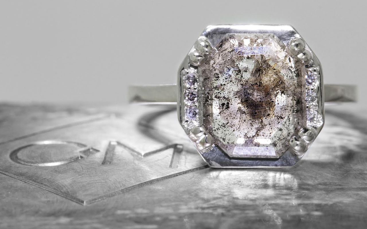 MAROA Ring in White Gold with 2.12 Carat Salt and Pepper Diamond