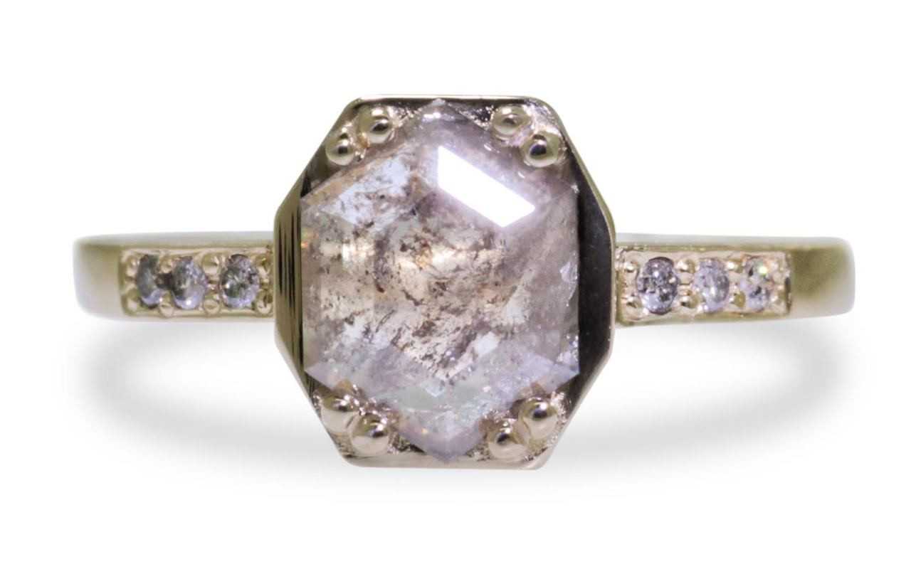AIRA Ring in Yellow Gold with .66 Carat Gray Diamond