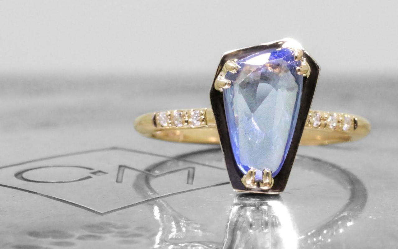 1.47 Carat Sapphire Ring in Yellow Gold