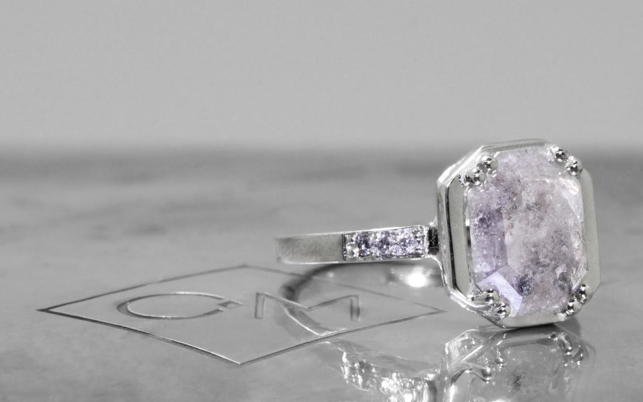 MAROA Ring in White Gold with 1.50 Carat Gray Diamond
