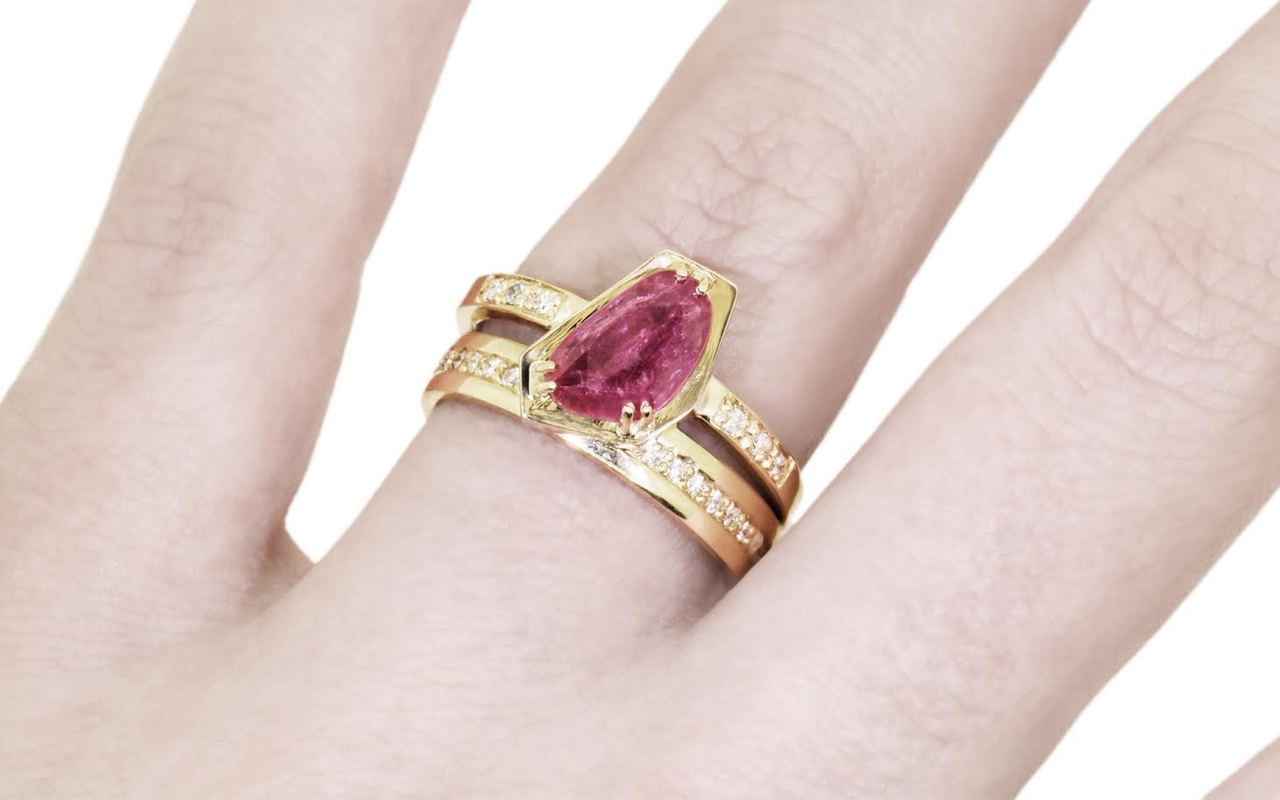 1.14 Carat Ruby Ring in Yellow Gold