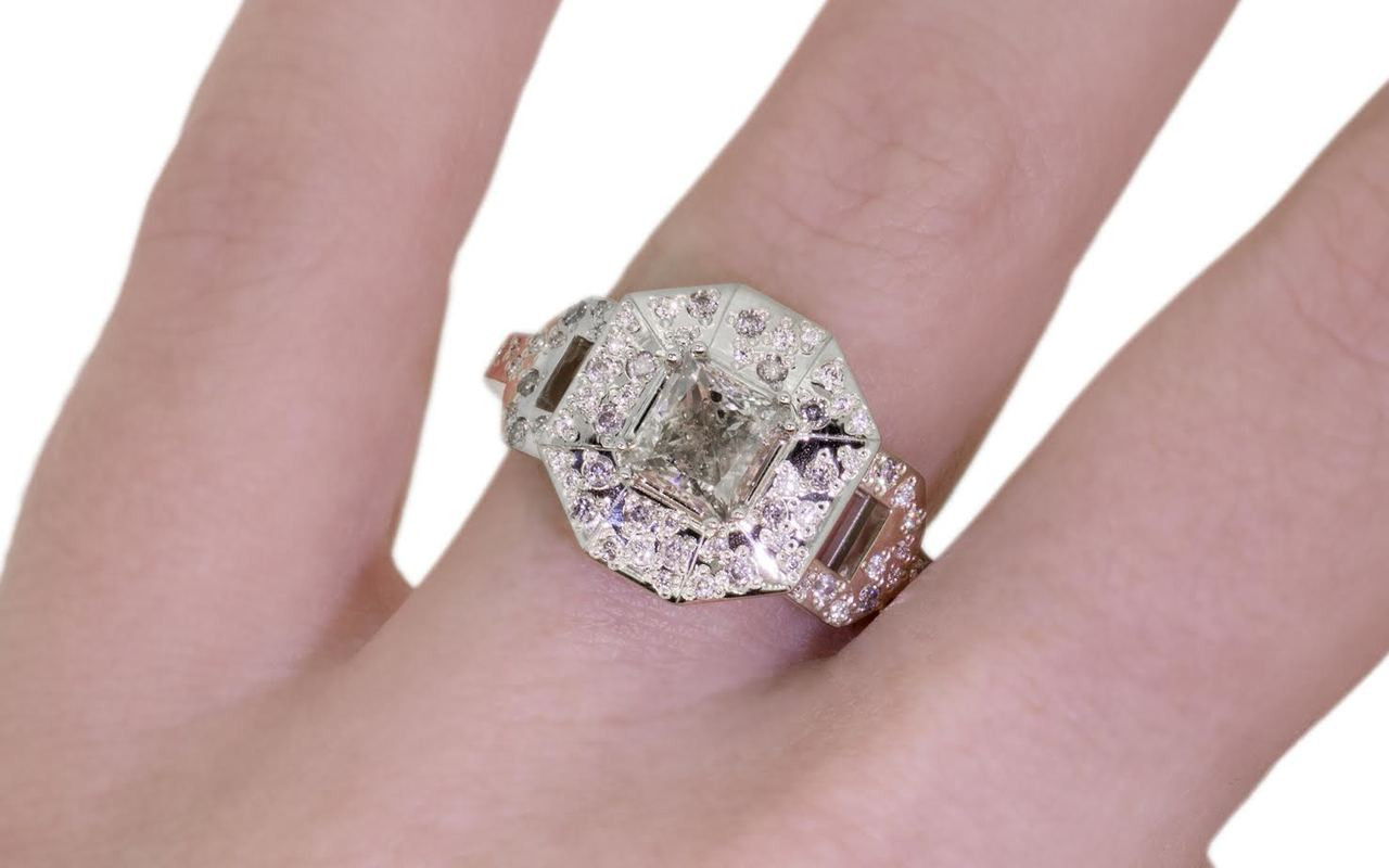 VESUVIO Ring in White Gold with 1.15 Carat Light Champagne Center Diamond