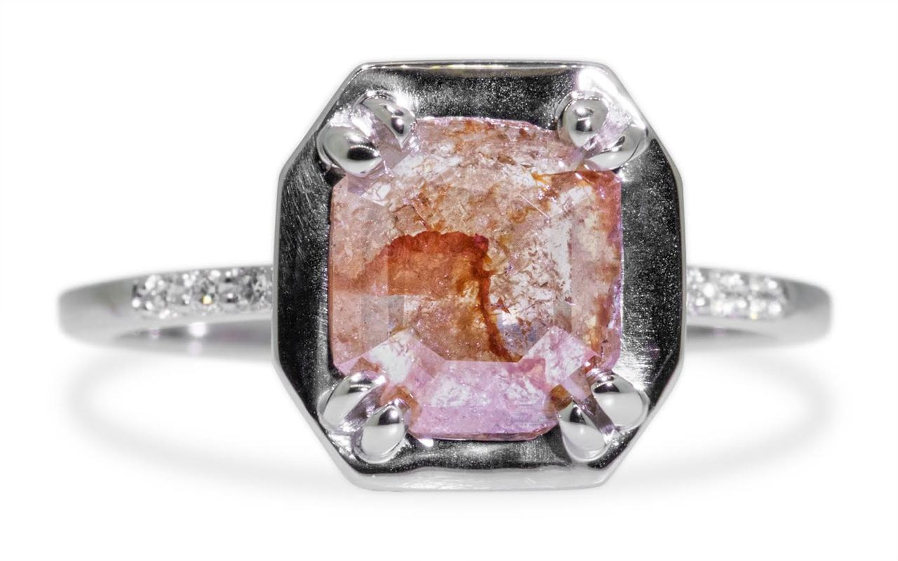 MAROA Ring in White Gold with 1.04 Carat Peach Diamond