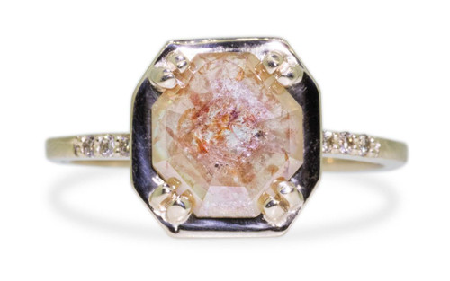MAROA Ring in Yellow Gold with 1.03 Carat Peach Diamond