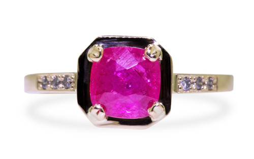 KIKAI Ring in Yellow Gold with 1.58 Carat Ruby