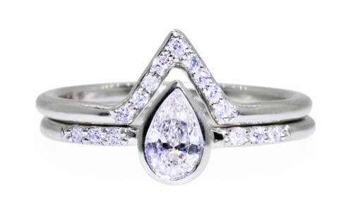 Pear White Diamond Wedding Set in Yellow Gold