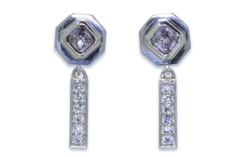 KUTTARA Earrings in White Gold with .77 Carat Purplish Gray Diamonds