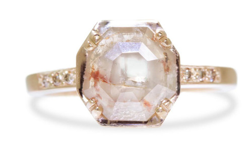 MAROA Ring in Yellow Gold with 1 Carat Peach and Cream Diamond