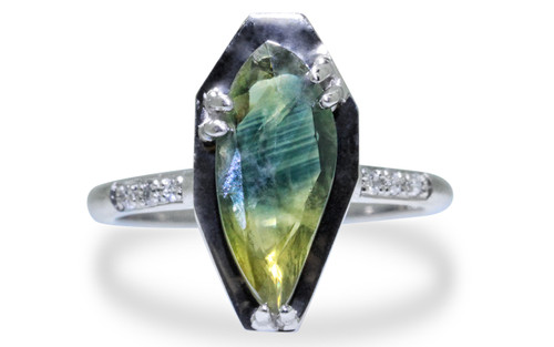 KIKAI Ring in White Gold with 1.70 Carat Parti Sapphire