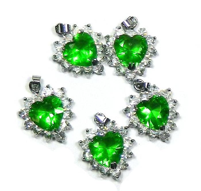 5 Heart Pendants 20x20mm Green with Clear Rhinestones