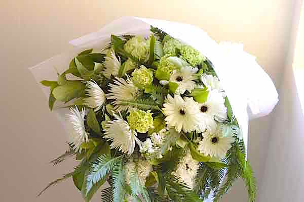 funeral-flowers-macquarie-park-cemetery-and-crematorium.jpg