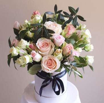 Send a Luxe Vintage Rose Box for Sydney Delivery