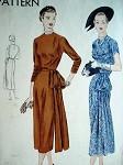 1940s Glamorous Evening Party Dress Pattern VOGUE 6962 Striking Side Sash Bust 30 Easy To Make Vintage Sewing Pattern