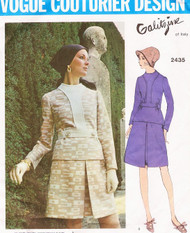 1970s STRIKING Galitzine 2 Pc Dress Pattern VOGUE COUTURIER Design 2435 Blouse Top and A line Front Inverted Pleat Skirt Size 10 Vintage Sewing Pattern