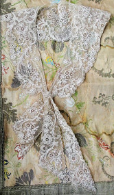 GORGEOUS Antique FRENCH Netted Tambour LACE Needlelace Inserts Collar Applique Flowers Bridal Wedding Flapper Era Downton Abbey Gatsby Vintage Clothing