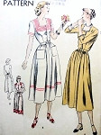1940s  Lovely Dress Pattern VOGUE 6336 Square Neckline Easy To Make Bust 30 Vintage Sewing Pattern