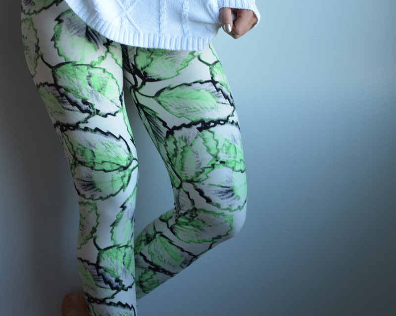 Turn down the lights! No need for electricity with these leaves on your legs, they almost glow in the dark! This earthy pattern is sure to make you jump for joy when you put them on, they are pretty, lively, and... electrifying!