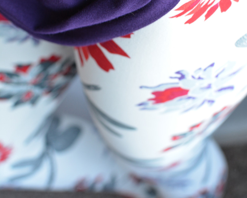 Minimalist blossoms and beautiful dragonflies on a creamy white legging.