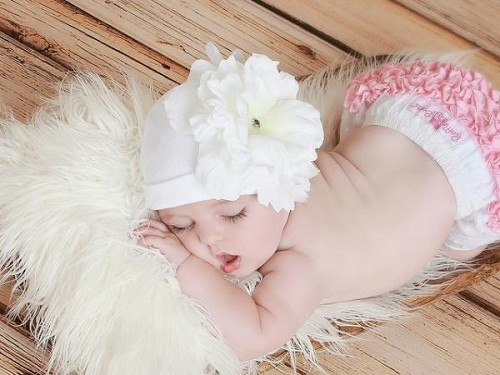 White Cotton Hat with White Large Peony