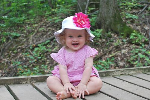 White Sun Hat with Candy Pink Daisy