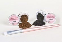 Black and Brown Eye Liner Kit with Flathead Liner Brush