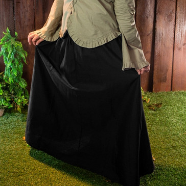 Black Tavern Skirt (Medium)