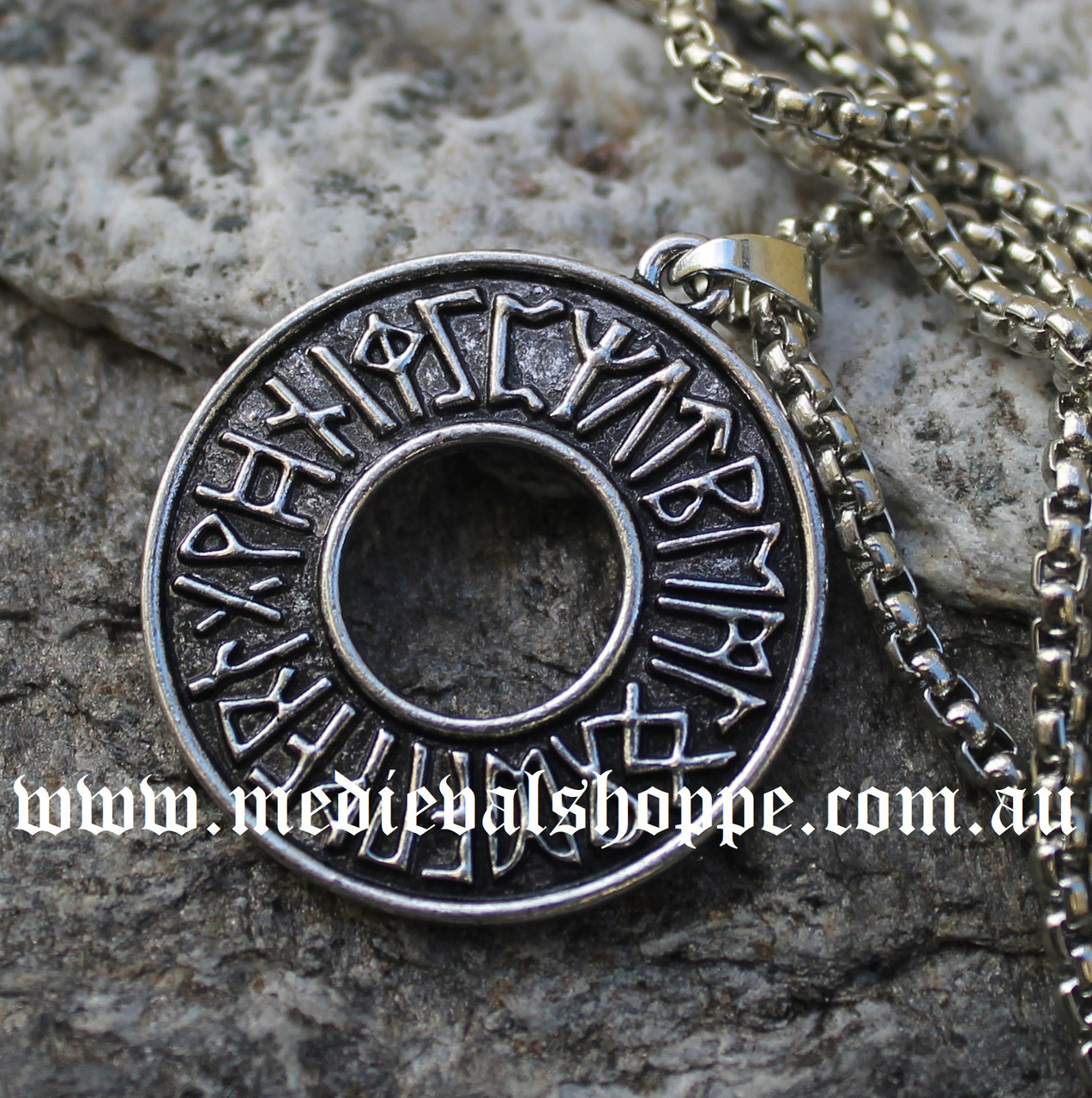 cloverpost mchpjm who m shop circle what wear necklace medallion