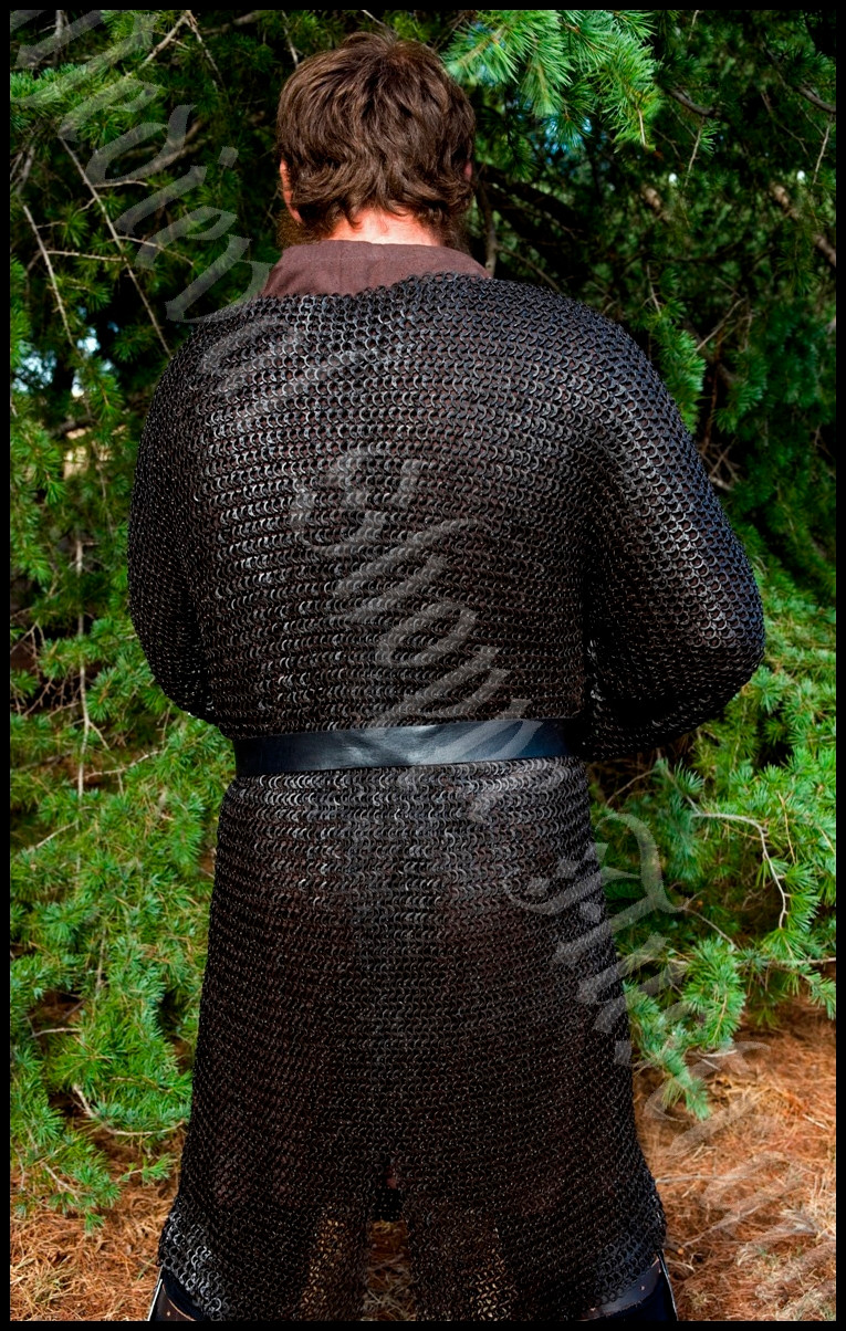Hauberk (Long-Sleeved Chain Mail Shirt) Medium, Black (18g 9mm Riveted Rings) (RkSs.175k)